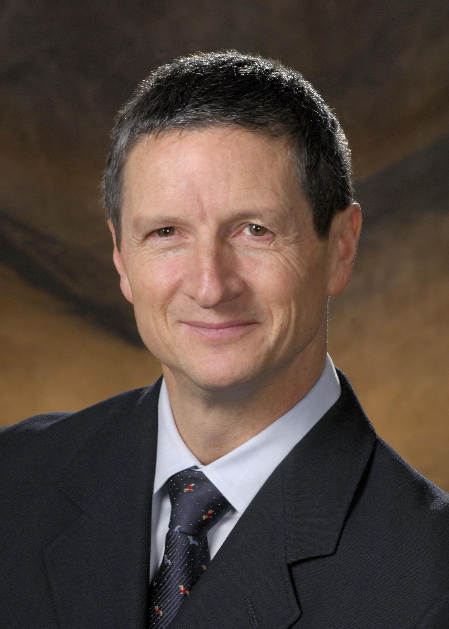 Dr William Hozack